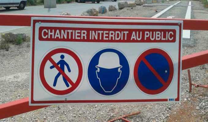 Panneau de chantier interdit au public